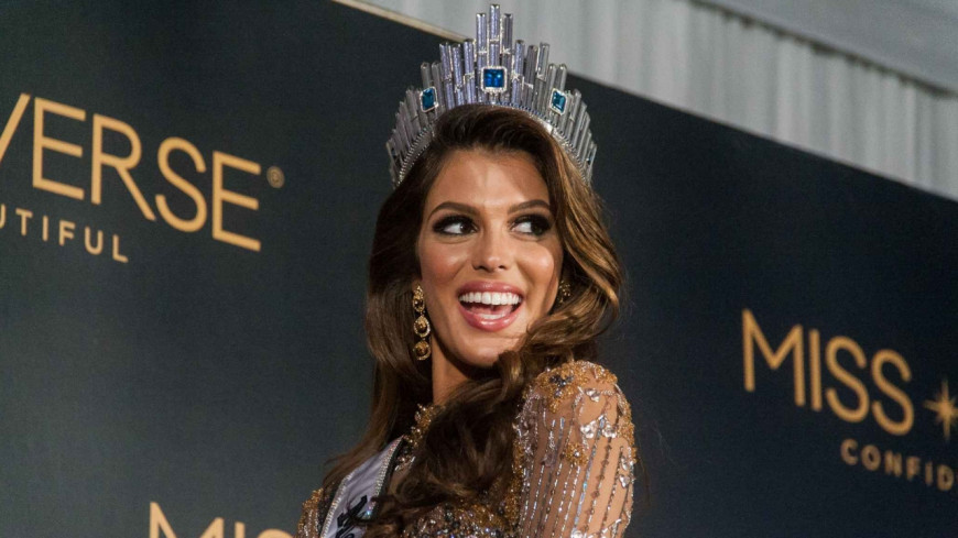 Iris Mittenaere sublime au naturel