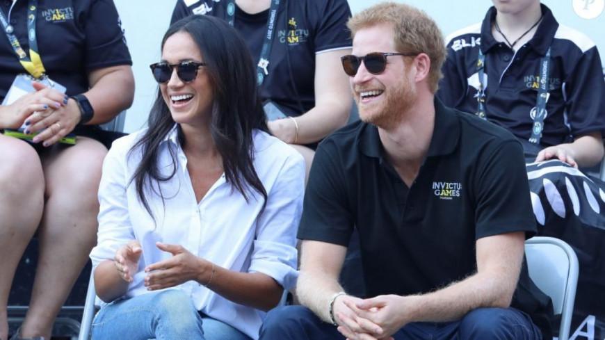 Le prince Harry et Meghan Markle reçus par Elizabeth II