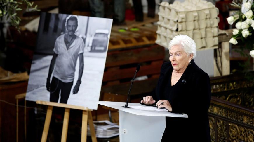 Mort de Johnny Hallyday: Line Renaud remercie chaleureusement les fans du chanteur