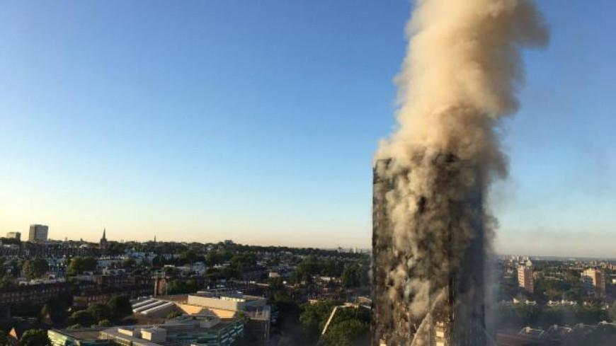 (Vidéo) Un immeuble en feu en plein Londres.