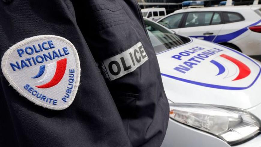 Deux policiers arrivent à « ressusciter » une femme.